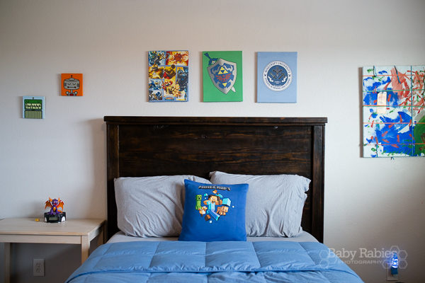 Turn Old T-Shirts Into Room Decor – Wall Hanging and T-Shirt Pillow DIYs
