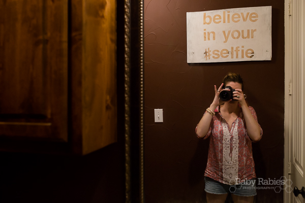 Believe In Your #Selfie bathroom sign tutorial | BabyRabies.com