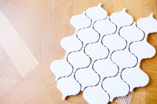 Transform inexpensive ceramic tiles into ornaments! Super easy! | BabyRabies.com