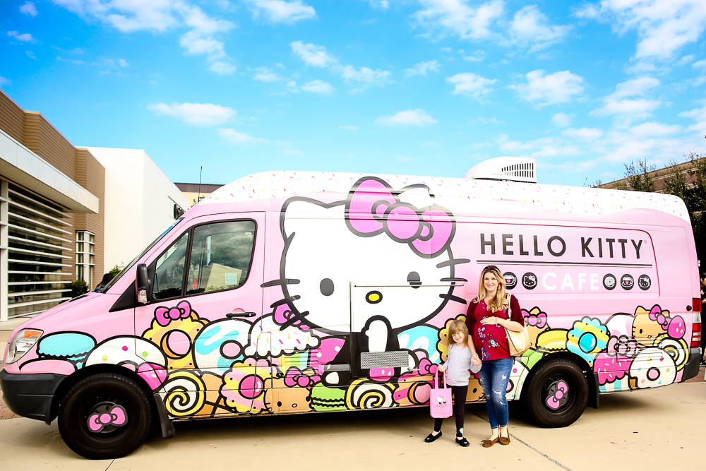 Hello Kitty Cafe Truck, Dallas | BabyRabies.com